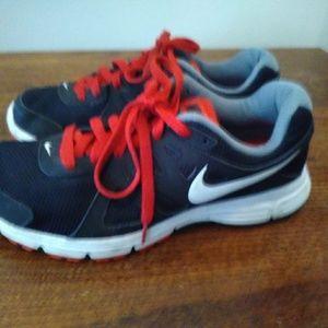 Shoes - Women's Size 8 Nike Revolution 2 Shoes